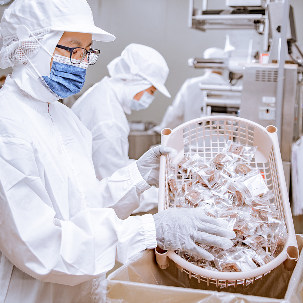 專業單顆包裝技術,嚴選高品質與醇厚風味的糖磚出貨到客戶手上。